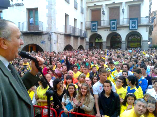 roig aclamado 1 - Roig aclamado en la Plaza Mayor de Vila-real