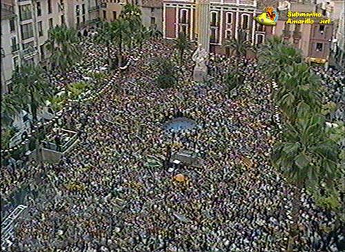 plazaarebentar2alarg 1 - La fiesta del 98 (ascenso a primera del Villarreal)