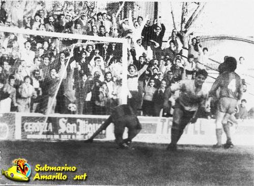 gol de adriano al alzira - Adriano García, la foto del recuerdo