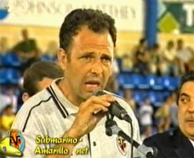 Caparrós fue destituido tras la derrota de Elche (99/00)
