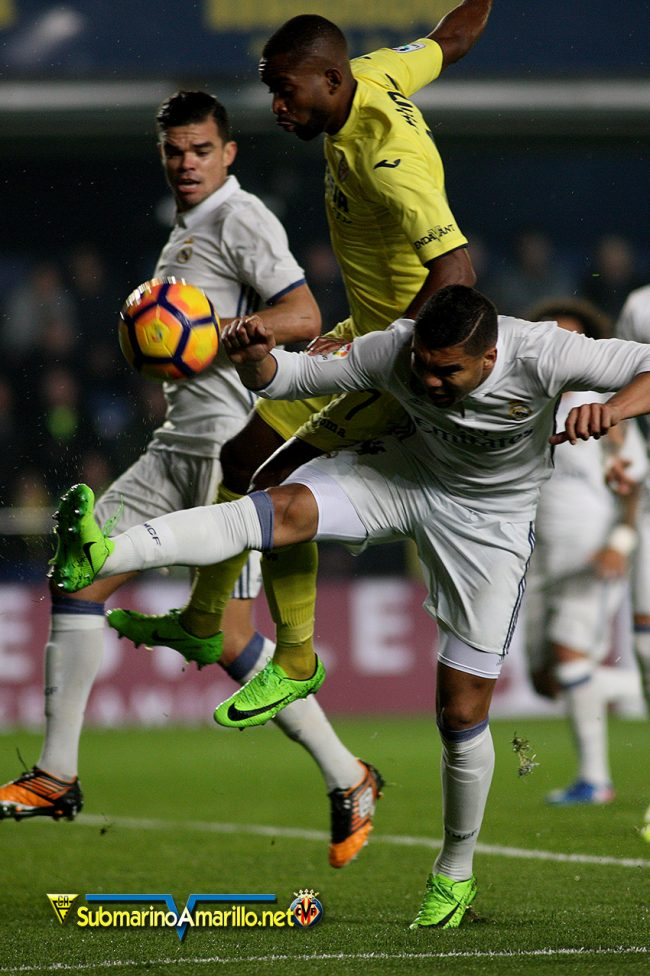 4A5O4115 copia 650x976 - Las fotos del Villarreal CF-Real Madrid