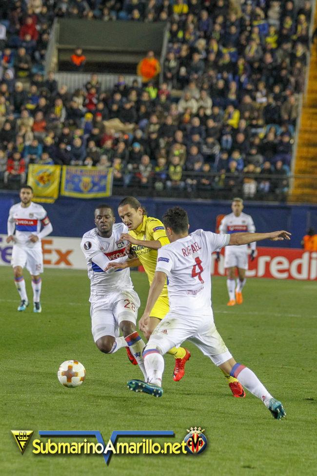 89D4888 copia 650x975 - Fotos del Villarreal-Olympique