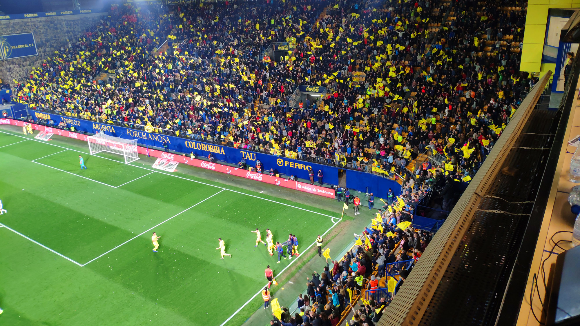 celebracion gol villarreal rayo - Villarreal 3-Rayo 1, victoria vital