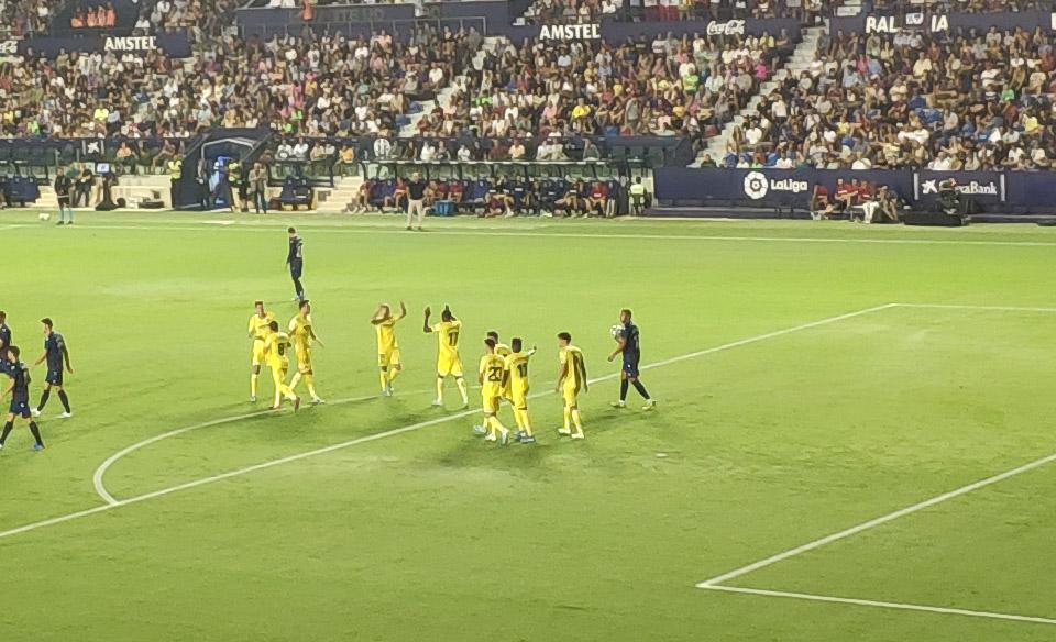 levante villarreal gol - Levante-Villarreal marcado por las decisiones arbitrales