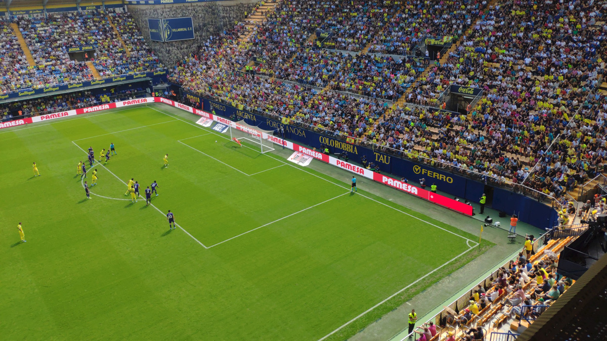 gol de cazorla2 - El Villarreal doblega (2-0) a un correoso Valladolid