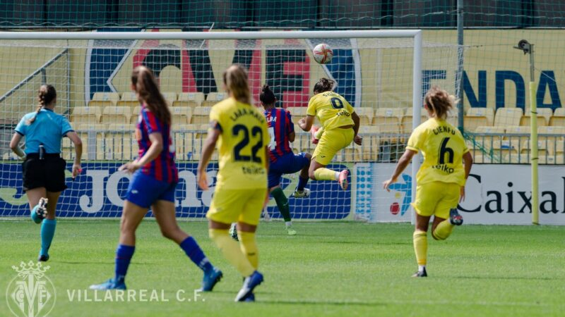 Histórica victoria del femenino en el debut ante su afición