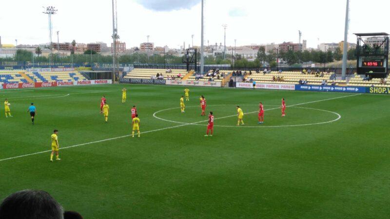 El líder Villarreal B golea al Sevilla (5-1)